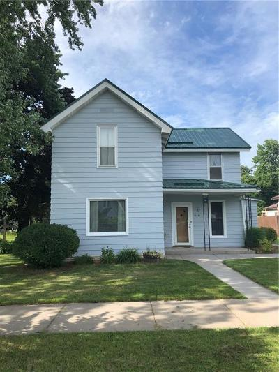Chippewa Falls Single Family Home For Sale: 910 Front Street