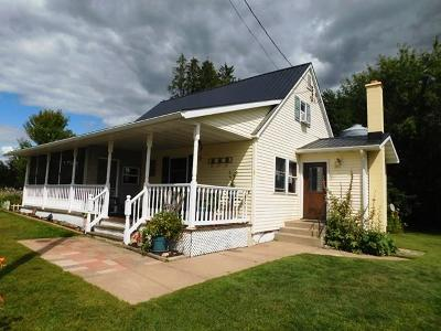 Cumberland Single Family Home For Sale: 28 280th Avenue