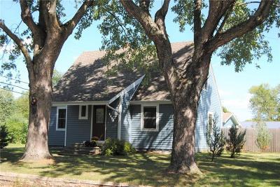Menomonie Single Family Home For Sale: 1132 Douglas Street