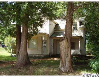 Grantsburg Single Family Home For Sale: 321 Pine Street