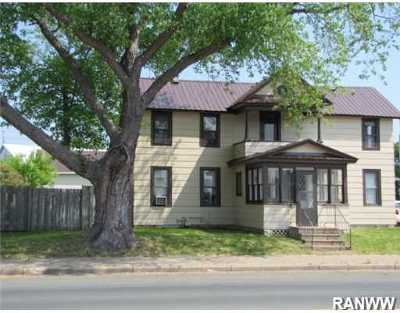 Single Family Home Sold: 609 Main Street