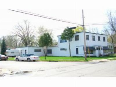 Neenah Multi Family Home Active-No Offer: 500 S Lake St