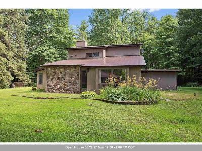 Gresham Single Family Home For Sale: N9155 Big Lake Rd