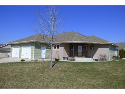 Single Family Home Sold: 824 Barronwood Dr