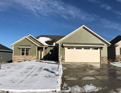 Menasha Single Family Home Active-Offer No Bump: 2924 Chrystella