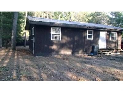 Shawano Single Family Home For Sale: N6978 Menominee