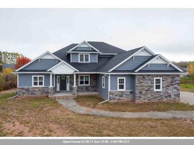 Menasha Single Family Home Active-Offer W/O Bump: N8954 Harrisville