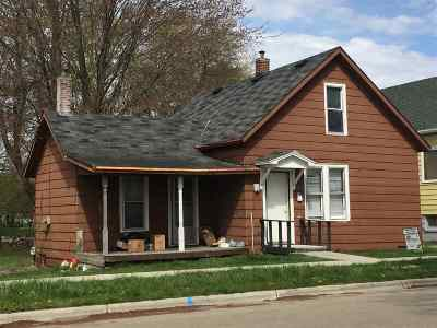 Single Family Home For Sale: 109 Huron