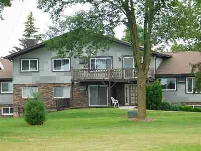 Shawano Condo/Townhouse For Sale: N5625 Riverside #12