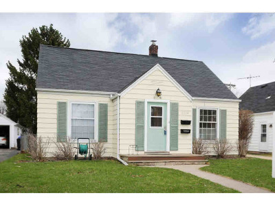 Appleton Single Family Home Active-No Offer: 2214 N Division