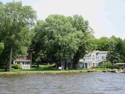 Oshkosh Single Family Home For Sale: 4487 Plummers Point