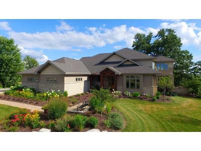 Neenah Single Family Home For Sale: 3077 Saffron