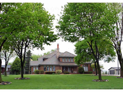 Neenah Single Family Home Active-Offer W/O Bump: 1793 Hwy A