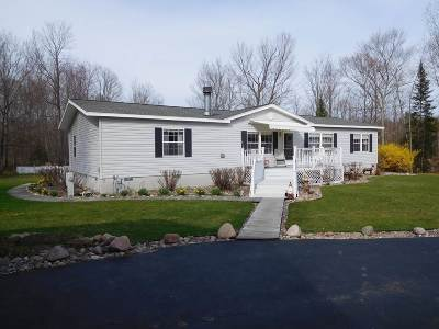 Lakewood Single Family Home Active-No Offer: 17384 Lake John
