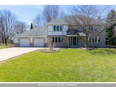 Appleton WI Single Family Home Active-Offer W/O Bump: $274,900