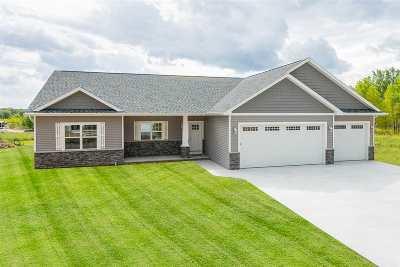 Neenah Single Family Home Active-No Offer: 1306 Indigo