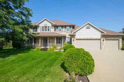 Oshkosh Single Family Home For Sale: 876 Honey Creek