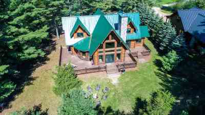 Waupaca Single Family Home Active-No Offer: E1115 Pleasant Park Ln