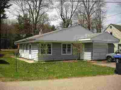 Shawano Single Family Home Active-No Offer: N5627 Mader