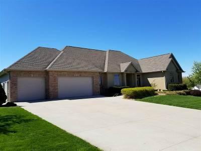 Sherwood Single Family Home For Sale: N561 Robinhood