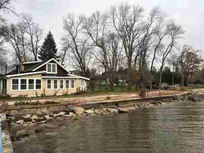 Little Suamico Single Family Home For Sale: 3426 Hwy S