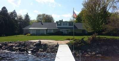 Oshkosh Single Family Home Active-No Offer: 2910 Stoney Beach