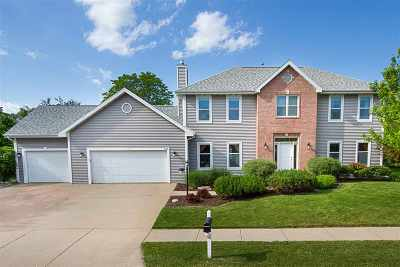 Neenah Single Family Home Active-No Offer: 684 Yorkshire