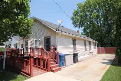 Oshkosh Single Family Home For Sale: 1706 Cedar
