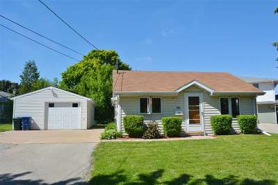 Combined Locks Single Family Home Active-Offer W/O Bump: 236 Kamps