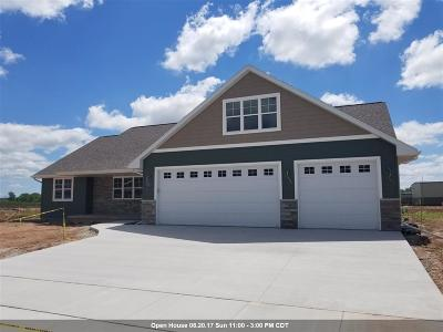 Menasha Single Family Home Active-Offer W/O Bump: W6057 Ryford