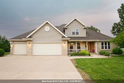 Neenah Single Family Home Active-Offer W/O Bump: 7441 Sunburst