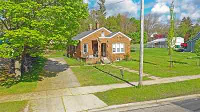 Waupaca Single Family Home Active-No Offer: 111 N Harrison