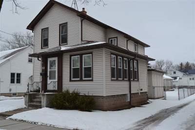 Oshkosh Single Family Home For Sale: 318 Hudson