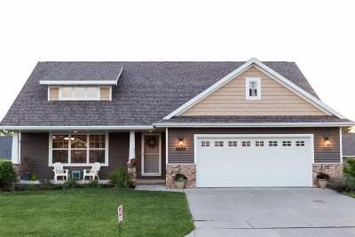 Menasha Single Family Home Active-No Offer: 2873 Chrystella