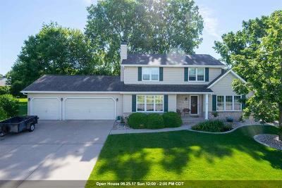 Neenah Single Family Home Active-Offer W/O Bump: 1420 Meadowbreeze