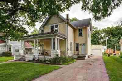 Kaukauna Single Family Home For Sale: 900 Metoxen