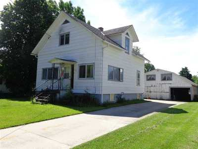 Single Family Home For Sale: 124 W Cedar