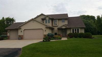 Oshkosh Single Family Home Active-No Offer: 2768 Leila Mae