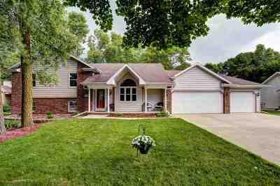 Menasha Single Family Home Active-Offer W/O Bump: 1434 Alcan