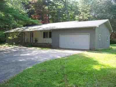 Marinette Single Family Home For Sale: N2189 Shore
