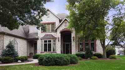 Appleton Single Family Home For Sale: 417 E Songbird