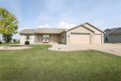 Kaukauna Single Family Home For Sale: 4481 Coriander