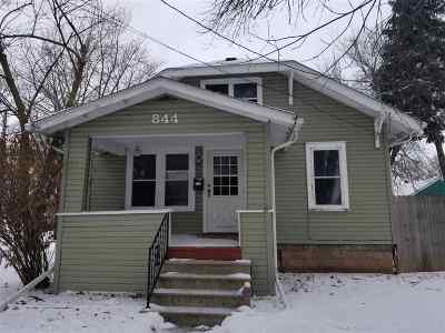 Menasha Single Family Home For Sale: 844 Appleton