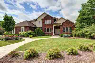 Appleton Single Family Home Active-No Offer: 511 E Crossing Meadows