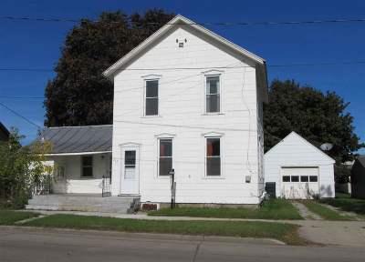 Kaukauna Single Family Home For Sale: 212 Elm