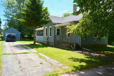 Menasha Single Family Home For Sale: 225 Broad