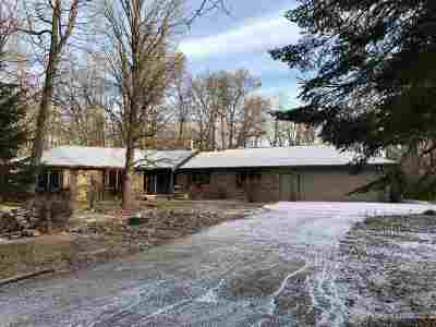 Kaukauna Single Family Home For Sale: N1904 Emery