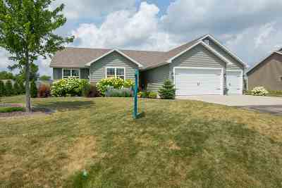 Neenah Single Family Home Active-No Offer: 1395 Harvest Moon