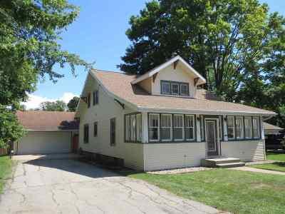Kaukauna Single Family Home Active-Offer W/O Bump: 926 Lawe