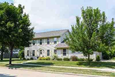Oshkosh Single Family Home Active-No Offer: 308 Sunnybrook
